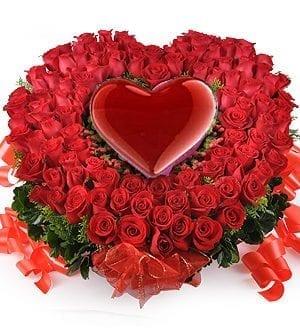 KL florist free delivery   Roses Flower-Baskets-Love Blooms