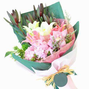 Flower in KL Malaysia - Premium Online Florist Hand Bouquet - Grand Affair