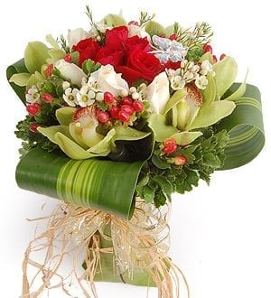 Send flowers Malaysia   Hand-Bouquet-Cymbidium Love